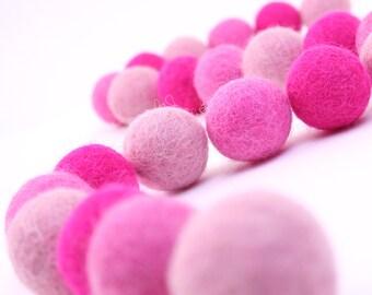 Felt Balls // DIY Garland // DIY Mobile // Pinkalicious Color Set  // 2.5 cm // 30 count