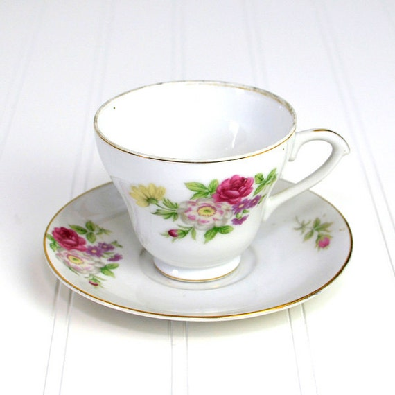 Teacup & Saucer Set with Red and Pink Flower Pattern - Shabby Chic China, White with Gold Trim, Pedestal Style - Made in Japan