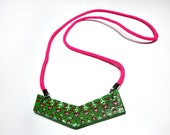 Chevron necklace in green with decorative pattern