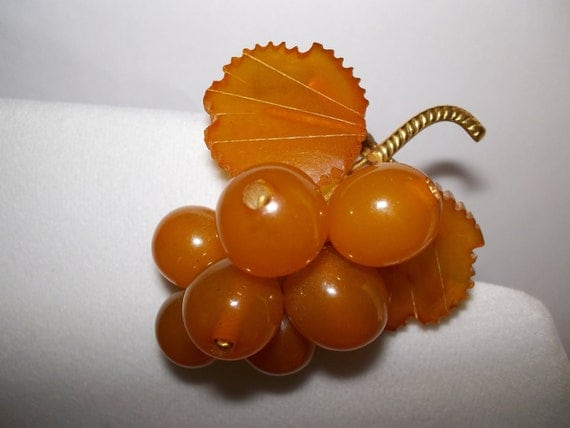 1930's Carved Baltic Amber Grapes Brooch / Vintage Baltic Amber/ Grape & Leaves Brooch/ Vintage 30's Brooches/ 30's Carved Amber