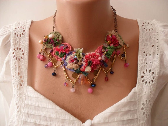 Mother's Day - Special Design - Perfect Gift - Crochet and Bead Necklace