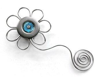 Cute Magnet, Silver Metal Flower Magnet, Blue and Silver, Handmade Wire, Customizable Gift