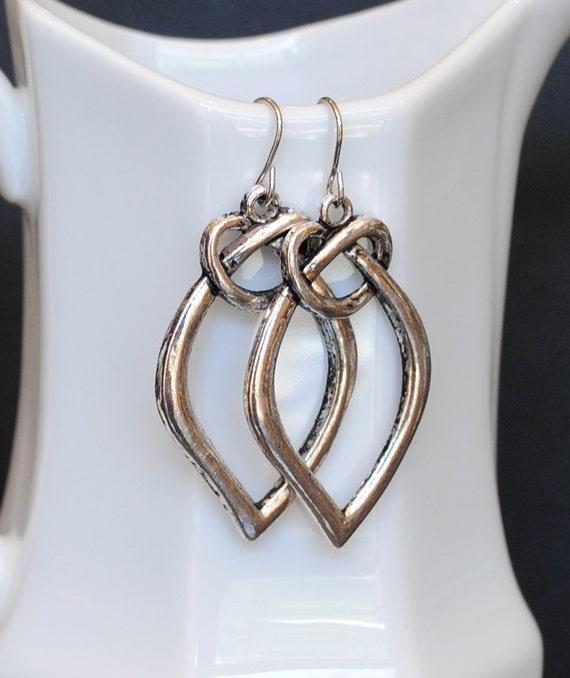 The Felicia Earrings