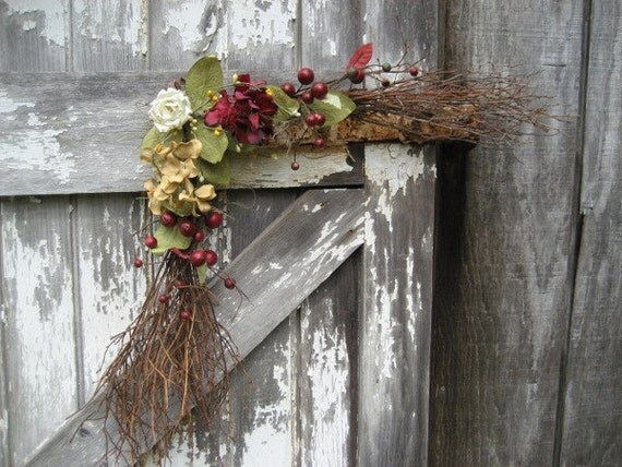 Rustic Twig Corner Swag with Red and Tan Hydrangeas - Country swag - Primitive swag - Year Round decor - Red and Tan swag - Swag for door