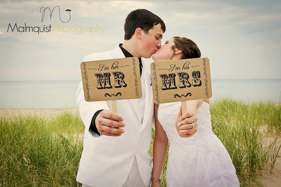 Photo Booth Prop my ORIGINAL I'm Her Mr/ I'm His Mrs -Thank You-Double Sided-Wedding Decor Photo Props Sign- Kraft Paper Goods - Set of 2