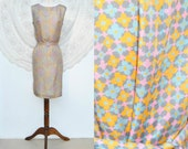 Vintage 1960s mini Dress - Hand Made - Floral -  With Fabric Belt - Size S/M