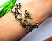 Mask bracelet--Masquerade party mask pendant,antique bronze charm bracelet,alloy chain