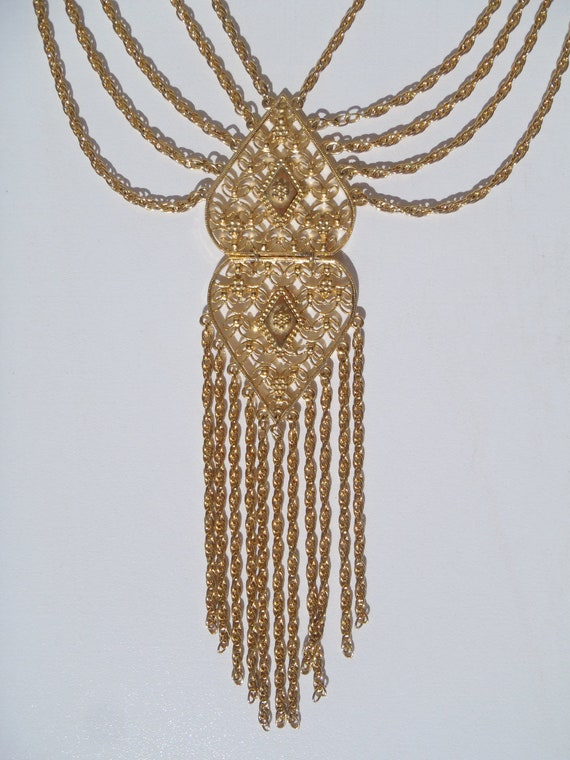 Hollywood Regency Vintage filigree gold flapper style costume jewelry necklace