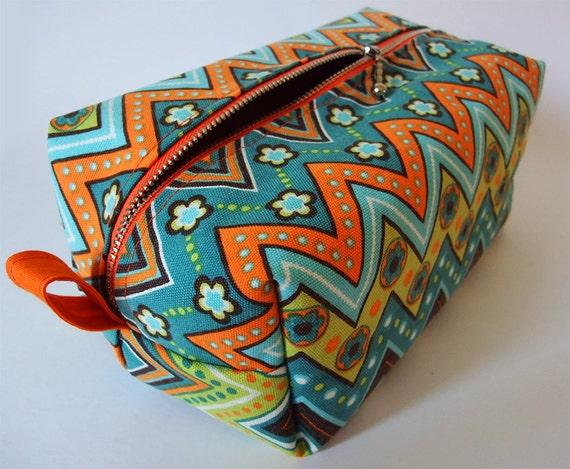 Toiletry Bag Retro Zig-Zag - Cosmetic Pouch - Travel Bag - Boxy