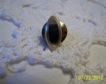Vintage Number Oval Shaped Pinback-Goldtone in fair condition-nice pinback for lapel or scarves