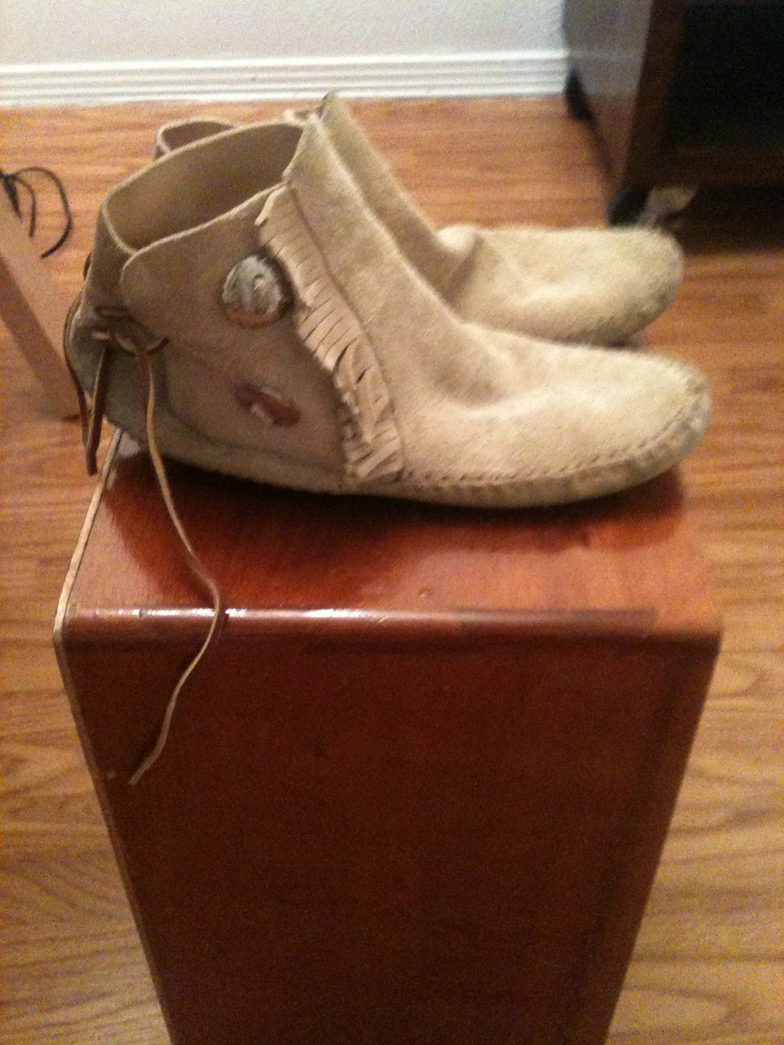 Authetic Native American Moccasins Size 7 Us Womens Or 8 Us