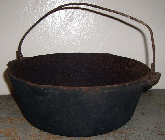 Vintage Kettle Primitive Cast Iron Kettle Pot Old