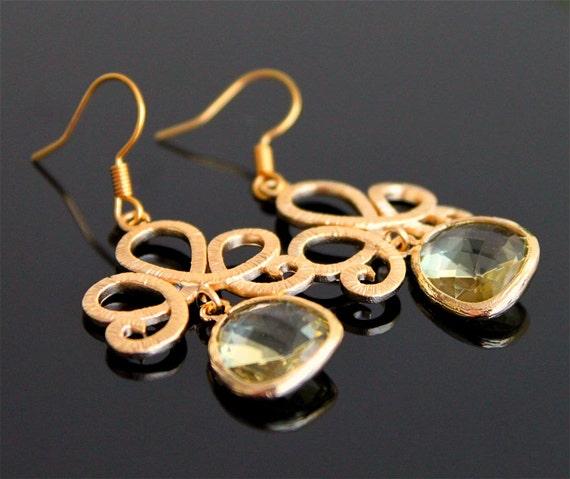 Damask flower gold earrings, citrine crystal earrings, lemon yellow glass earrings, bridesmaids gift. Wedding jewelry.