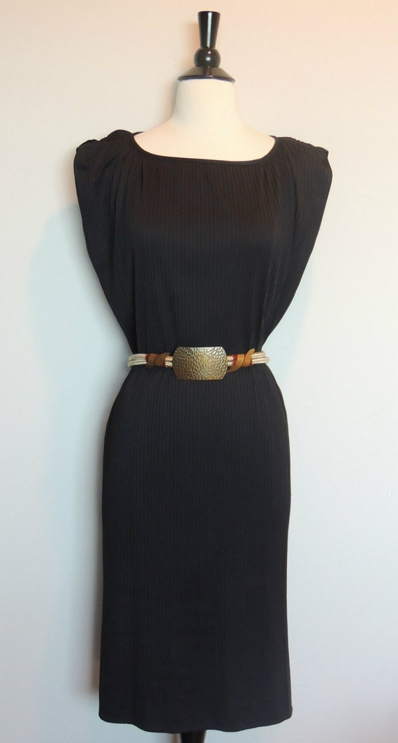 SALE TODAY ONLY Vintage 70s Dress Pleated