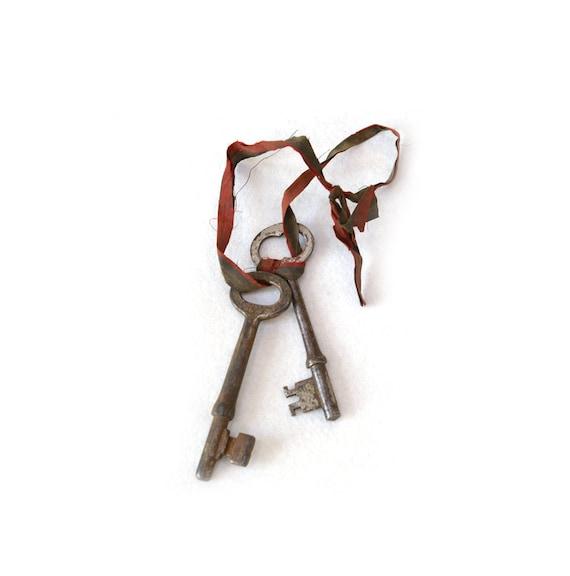 Antique Beautiful Skeleton Key Set (2)