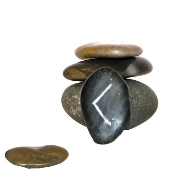 Rune Stone Worry Stone kenaz Wisdom Insight Insperation