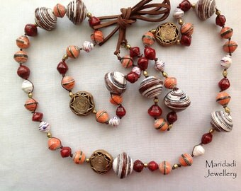 Ettaka - paper bead necklace