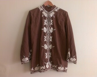 60s vintage women's large Brown shirt with floral embroidery