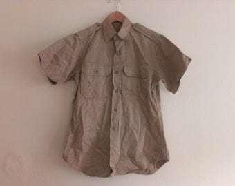 80s vintage men's small khaki army shirt few pinholes on collar
