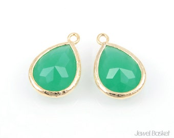 2pcs - Palace Green Color and Gold Framed Glass Teardrop Pendant / palace green / green / 16k gold plated / glass / 11.5 x 17mm / SPGG013-P