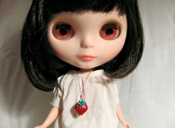 Strawberry Necklace for your BlytheStar