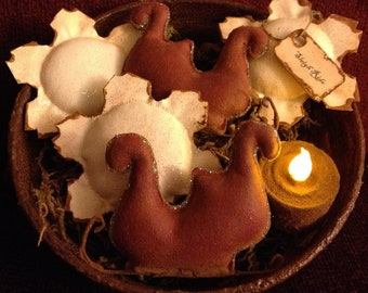 Primitive Christmas Santa's Sleigh and Snowflake Bowl fillers