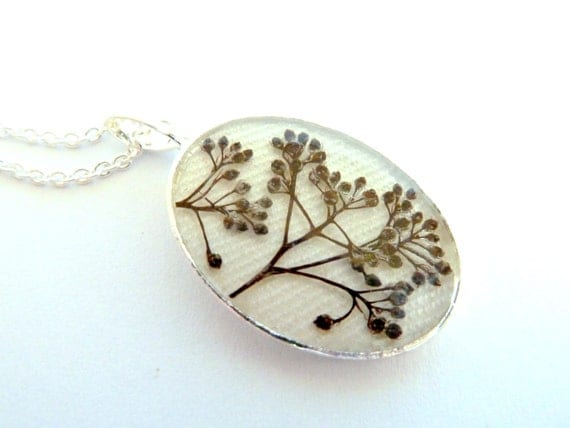 Real flower necklace, real flower jewelry, real flower resin, dried pressed flowers resin, pressed flower necklace, botanical necklace