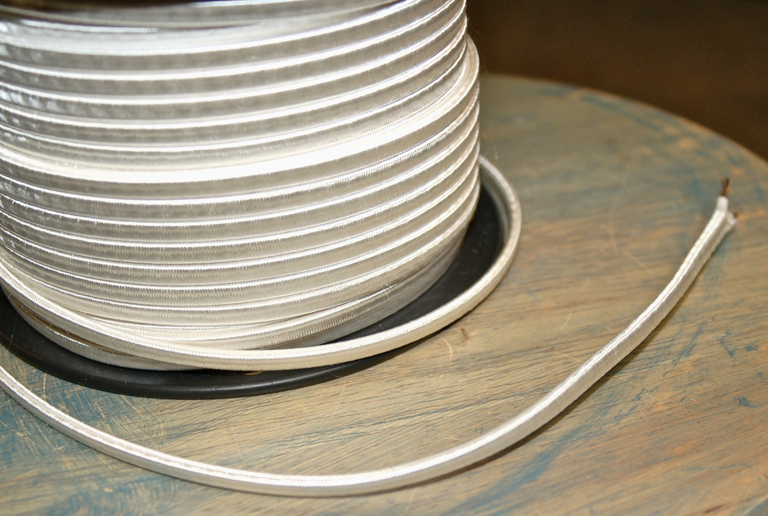 6 Feet: White 2-Wire Cloth Covered Cord Vintage Style Cloth