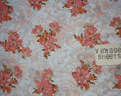 "CLosing sale // Peachy vintage sheet fabric // Large 29"" x 50""  Retro floral // UK seller"