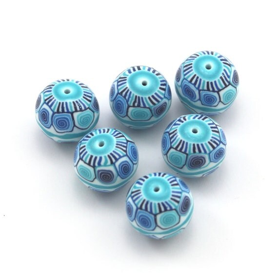Round beads in blue, polymer clay beads, unique spiral pattern in blue, turquoise and white, elegant beads, set of 6