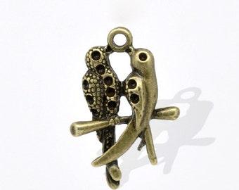5 Antique Bronze Love Birds Charm Pendant 24 x 16mm  - Pack of 5 CP21