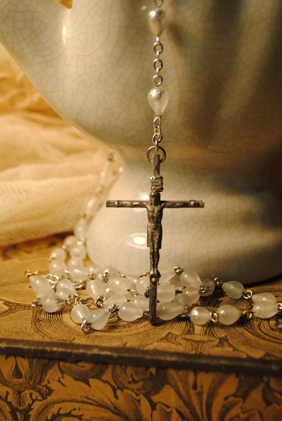 ROSARY ANTIQUE Pear shaped glass with  antique silver flake Czech glass very long rosary VERYNICE feeling piecesantique number 27