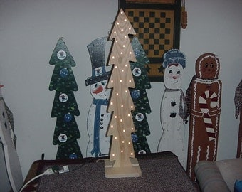 Lighted Wooden Christmas Tree Pattern