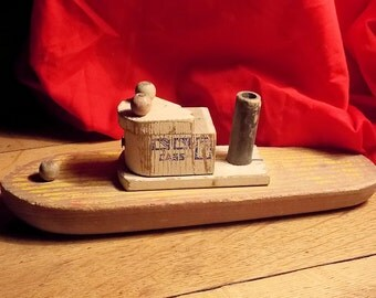Antique Wood Tug Boat Toy - 1940's Toy - Beautiful Wear - Shabby Chic - Beach Cottage Decor
