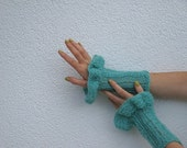 Cuffs, Gloves, Kid mohair, turquoise, with Ruffles