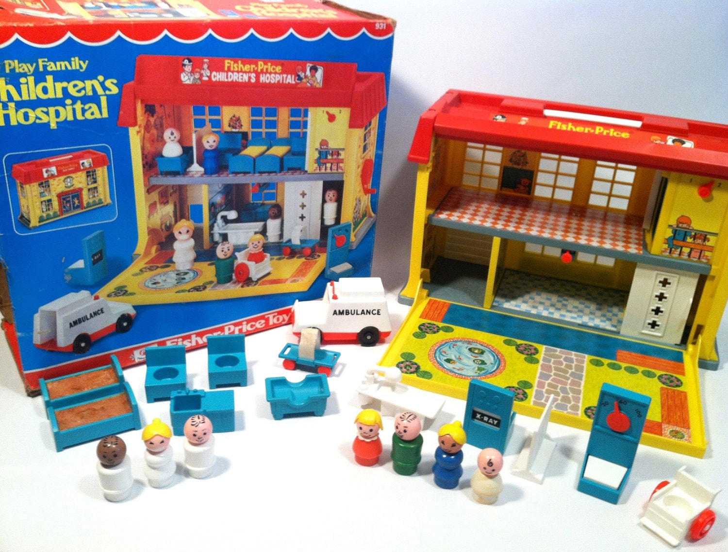 vintage fisher price children 39 s hospital complete set in. Black Bedroom Furniture Sets. Home Design Ideas