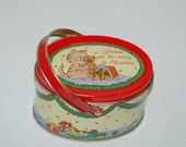 CAT CHRISTMAS TIN - Oval Container with Handle - Precious and Cute Kitty - Frienship Theme - Fabulous Graphics