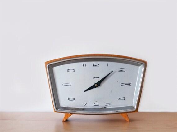 """BOGO SALE///Vintage table clock """"Majak"""""""