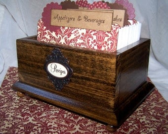 RECIPE BOX, Recipe Dividers, Wooden Recipe Box, Red and Ivory Damask Dividers, Red Kitchen,  Walnut stained box, Custom Recipe Box