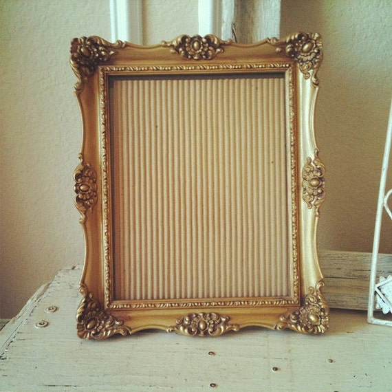 ornate gold frame 8x10 gilded vintage frame beautiful detail hang or sit