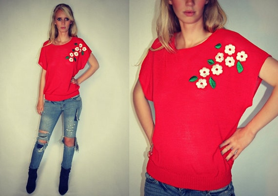 70's Vintage Embroidered-Flower Knit top