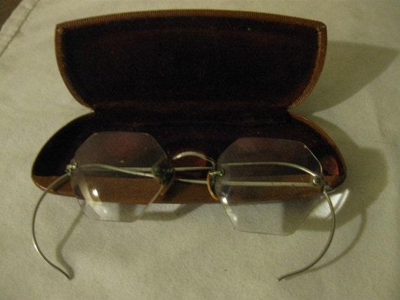 ANTIQUE B & L Eyeglasses  12k gold filled eyeglasses with case