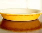 Crown Pyrex: lemon-yellow pie dish