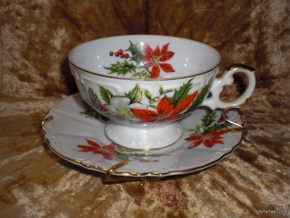 Inarco Christmas Tea Cup And Saucer Poinsettia Gold Rims Japan