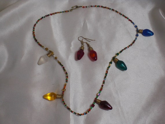 Christmas Lights Beaded Necklace Earrings Light bulbs vintage free Shipping