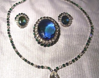 Vintage Jewelry set, Necklace, Brooch (can be attached to the necklace), and earings
