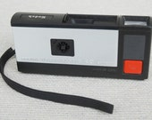 Vintage 1960s Kodak Pocket Instamatic 20 Camera