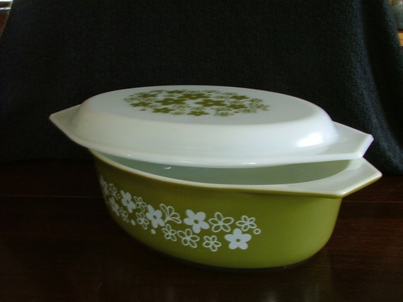 Vintage Olive Crazy Daisy 2 and 1/2 Quart Pyrex Casserole and Lid