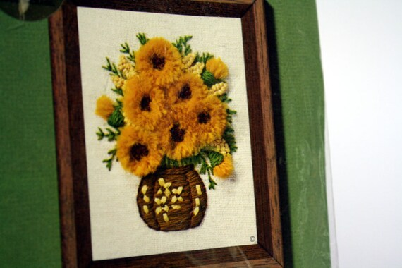 Sunflower Yellow Gold Flower Crewel Hand Embroidery Kit Jiffy Stitchery 1975 - 4 x 5 Petite Gold Floral Vintage Sunset Designs