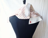 10% OFF / fun shirt, with red polka dots and a tiny dog on the collar